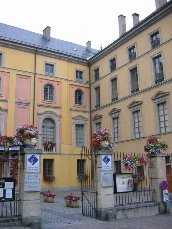 Saint jean de maurienne pays de maurienne communes de - Office de tourisme saint yrieix la perche ...