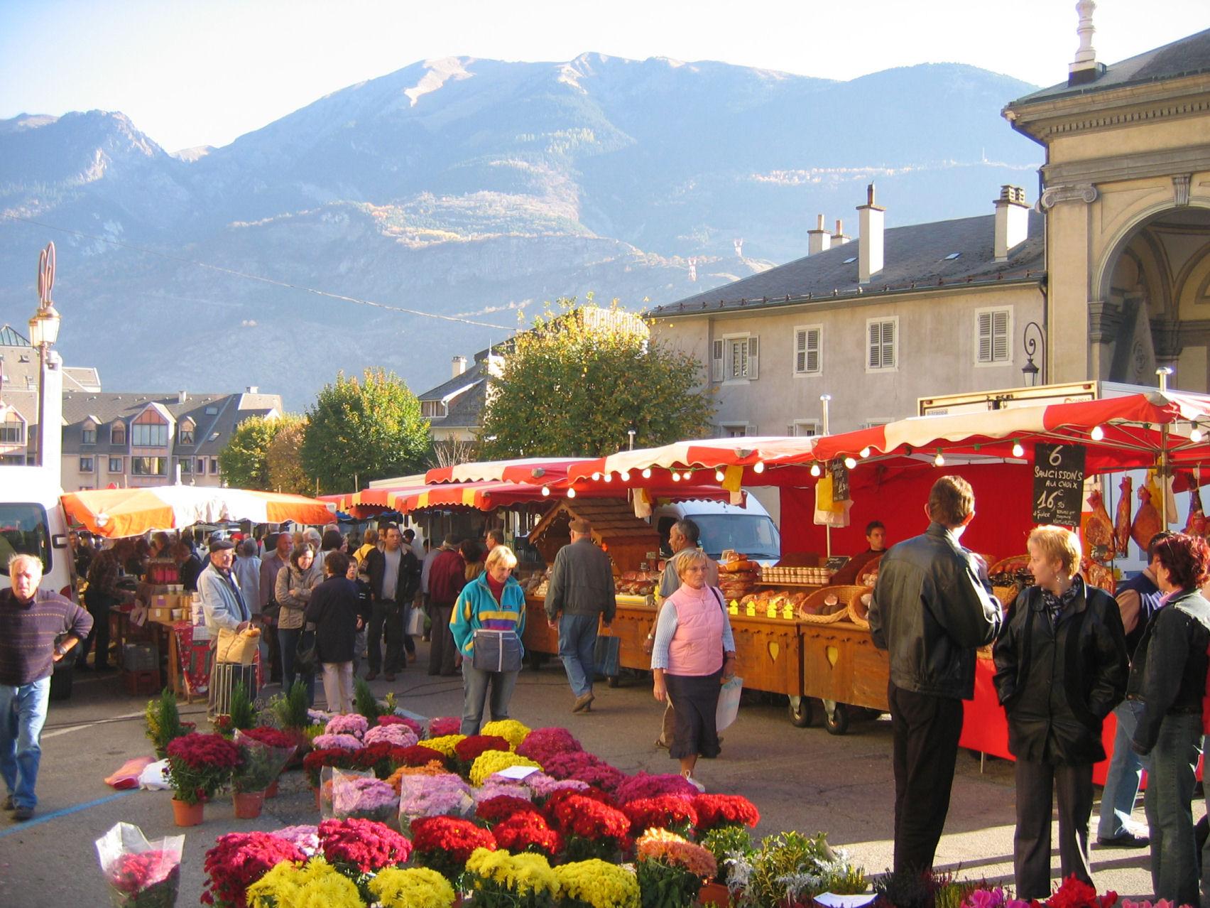Le marché du samedi matin à Saint Jean © SPM